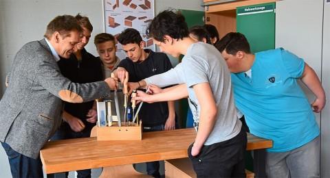 »Fachräume sind dafür da, Stärken zu finden« (SchwarzwälderBote v. 10.03.18) | Aktuelles | SBBZ Seeäckerschule Calw-Stammheim