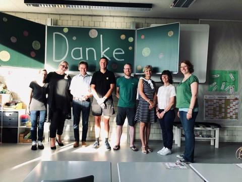 Neue Tafeln dank großzügiger Spender  (14.08.19) | Aktuelles | SBBZ Seeäckerschule Calw-Stammheim